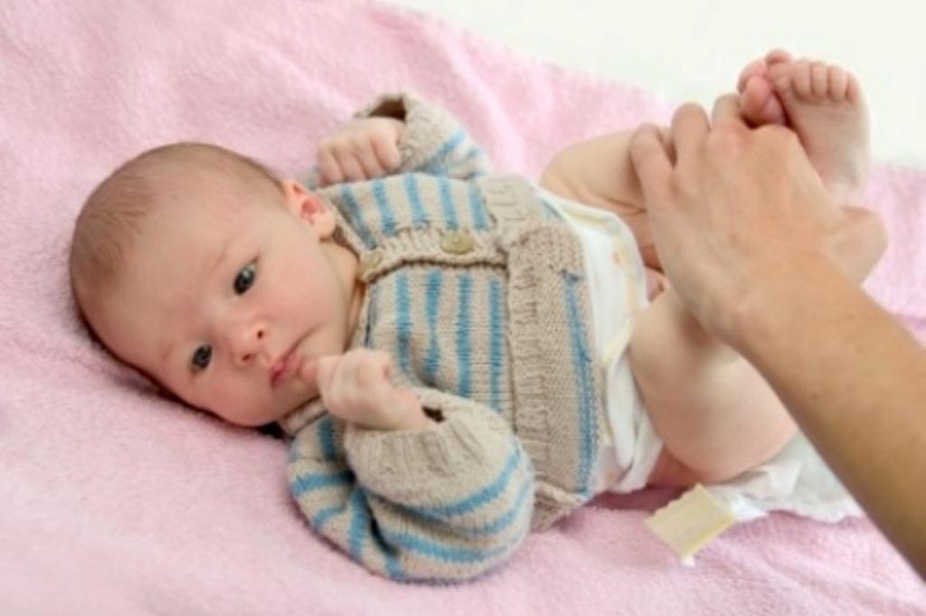 the-scoop-on-newborn-poop1